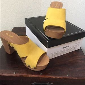 NEW Qupid Beekler yellow suede Retro platforms